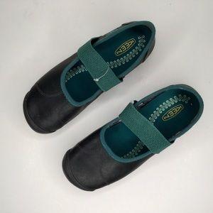 Keen women shoes.